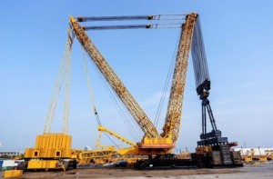 XCMG claims new lifting record XGC88000 crawler crane