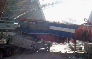 Terex CC2800 crawler crane slips in Singapore