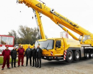 Two all terrain cranes delivered by Grove