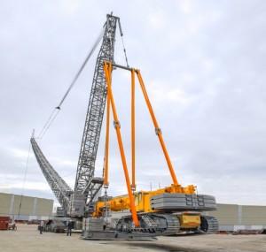 Liebherr turns assist crane into ballast
