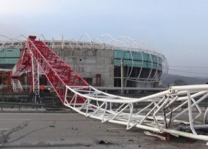 Winds overturn crane