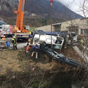 Crane overturns in Lichtenstein